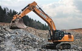 CASE shows its range at Hillhead